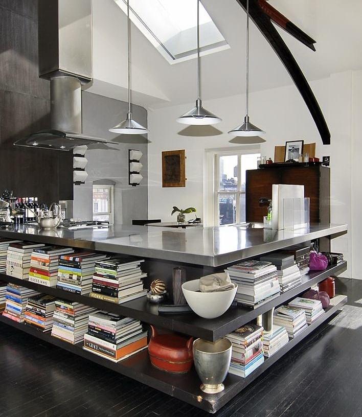 cozinha americana e livros