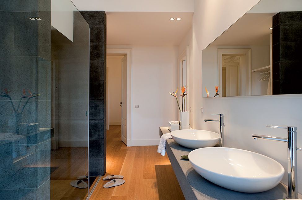 8Details-Luxury-Bathroom