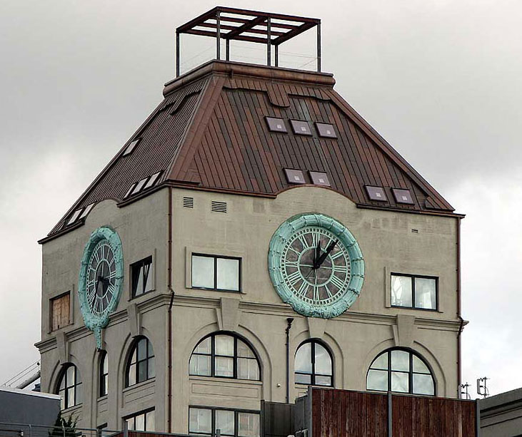 Converted-Clocktower-Penthouse-2