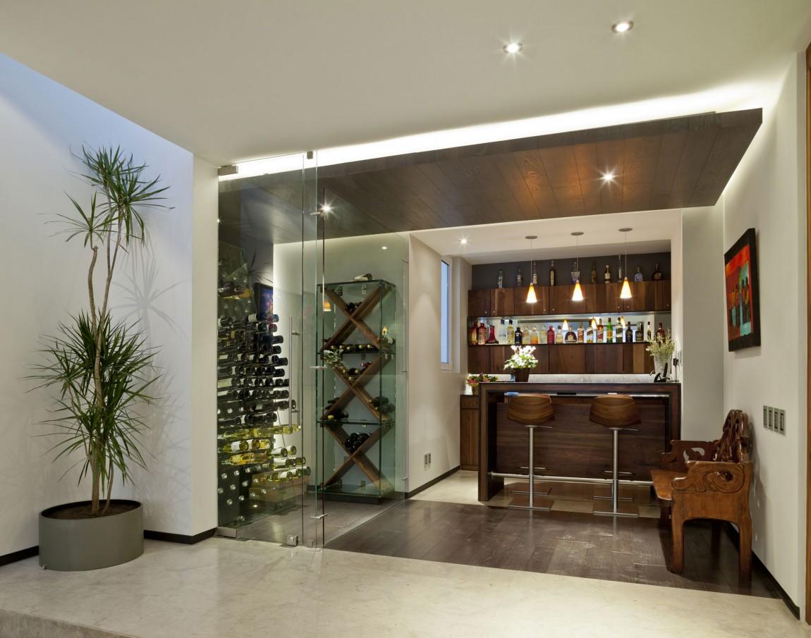 Wooden-Bar