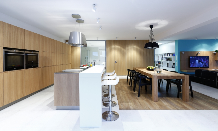 6Wooden-kitchen