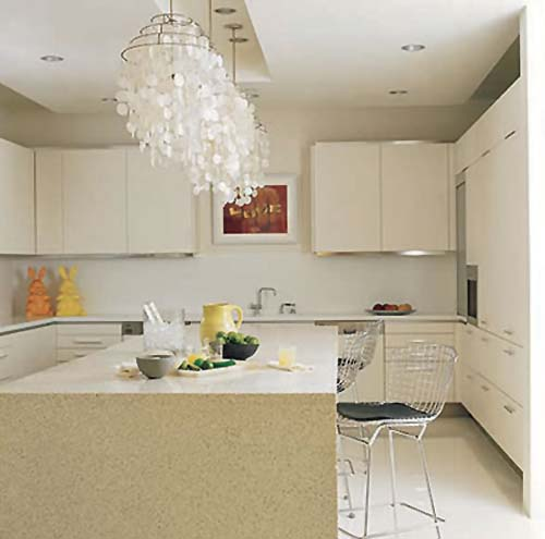 simple-kitchen-with-good-lighting-design