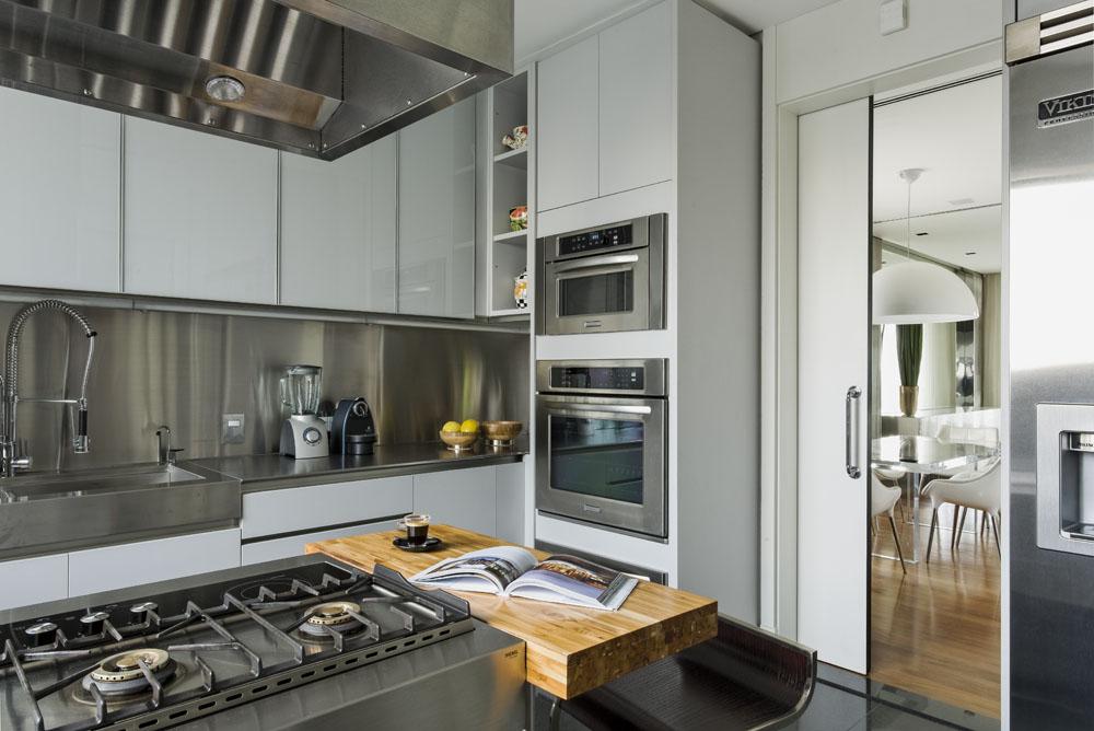 Ibirapuera-Apartment-by-Diego-Revollo-36
