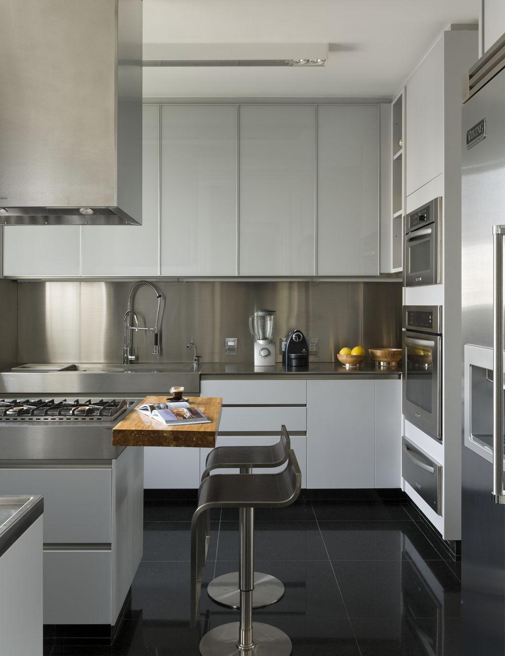 Ibirapuera-Apartment-by-Diego-Revollo-37