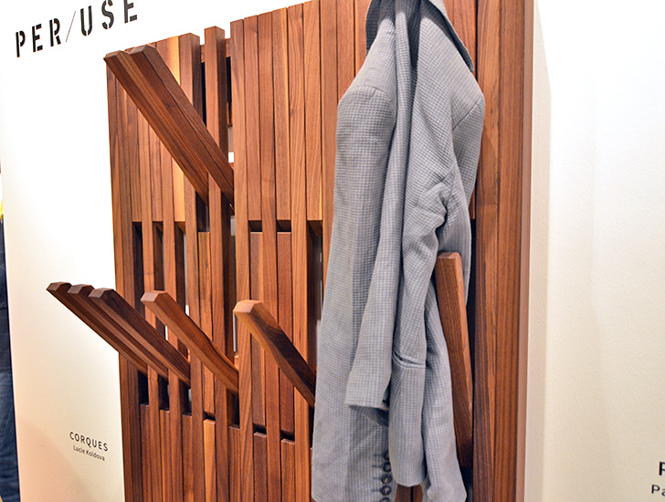 Folding-Coat-Rack-Per-Use