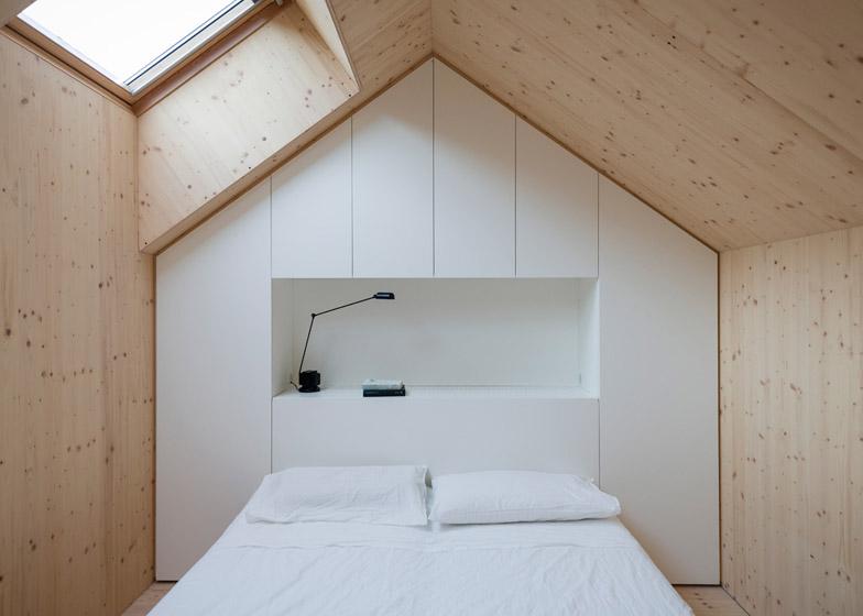 9Compact-Karst-House-by-Dekleva-Gregoric-Arhitekti_dezeen_784_15