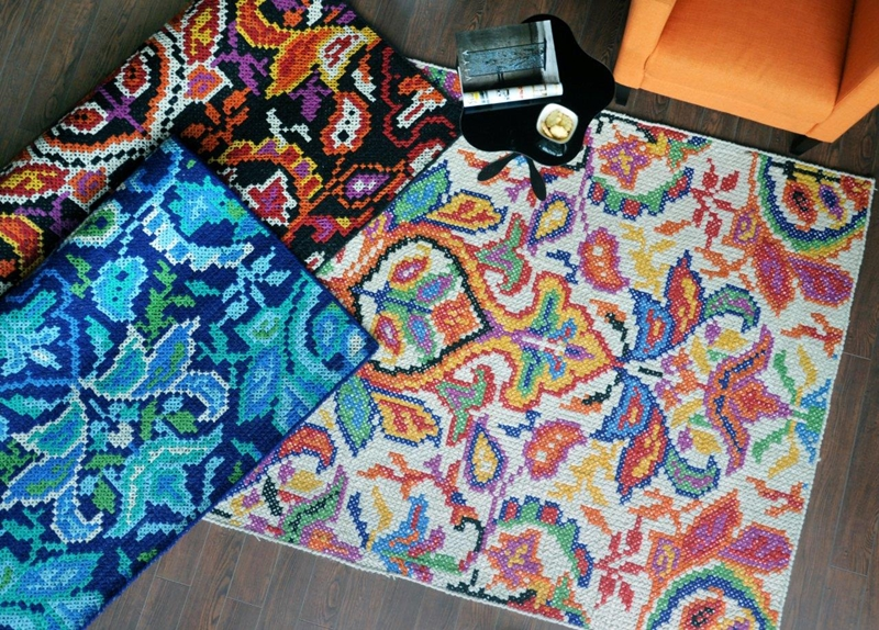 Tapetes modelo Pixel tramados artesanalmente em lã com algodão com 160x230cm por 4.920 reais na BALAI