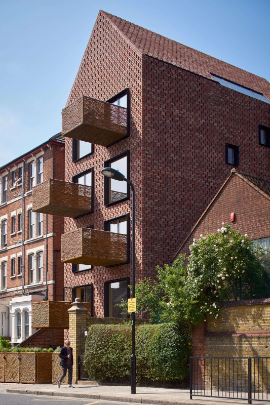 barretts-grove-groupwork-and-amin-taha-architects-london-uk-residential-architecture_dezeen_2364_col_3