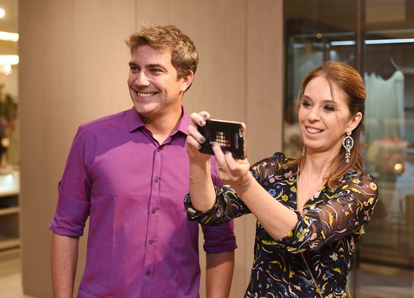 Fernando Crispim e Esther Schattan