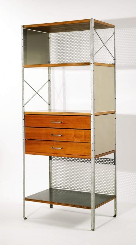 A velha estante de metal revisitada e incrementada