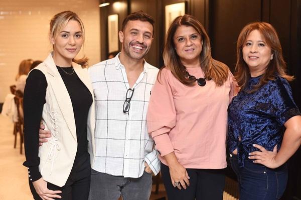 Josie Santos, Alexandre Cardim, Pamela Dietrich e Angela Meza