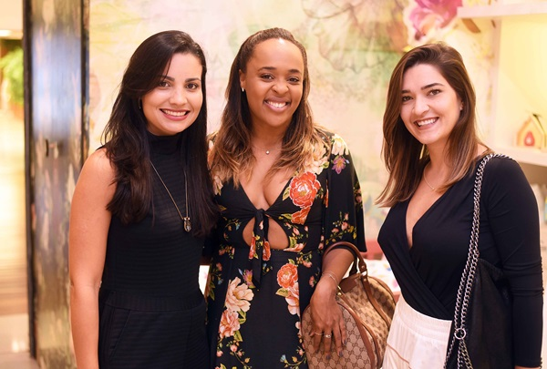 Paula Costa ,Hannah Cabral e Monique Pampolha