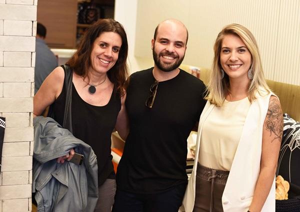 Camila Avelar, Leandro Neves e Carol Freitas