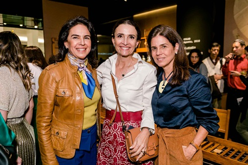 Joy Garrido, Andrea Natal e Angela Hall