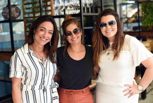 Ana Paula Iespa, Carla Napoliao e Raphaela Gonçalves
