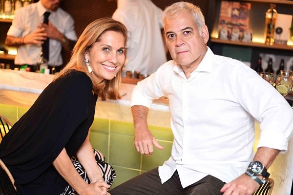 Bebel Sampaio e Mauricio Nobrega