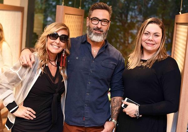 Patricia Hall, Fabio Cardoso e Carol Schmidt