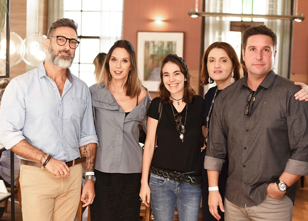 Alexandre Lobo, Esther Schattan ,Manu Muller, Simone Orlean e Alexandre Lobo
