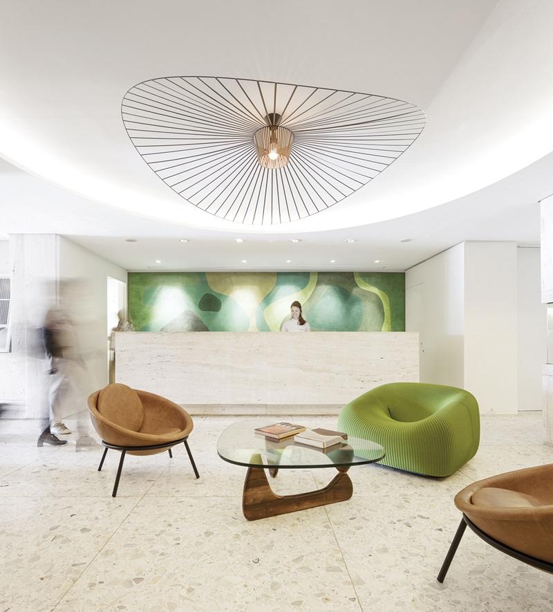 Foto da recepção do Hotel Emiliano da Avenida Atlântica _ livro STUDIO ARTHUR CASAS
