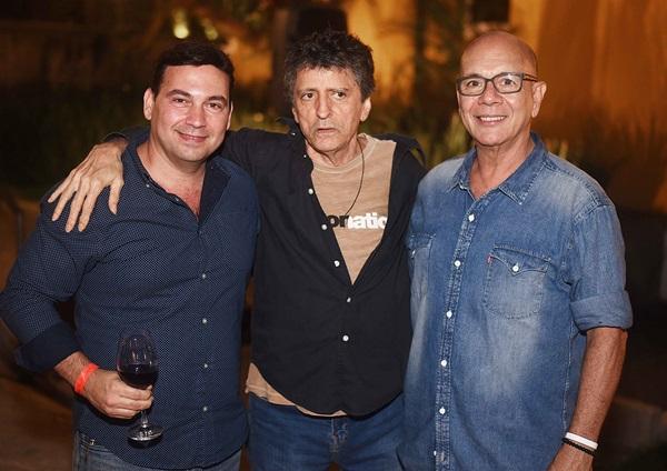 Matias Pinheiro, Vinicius Cantuaria e Caco Borges