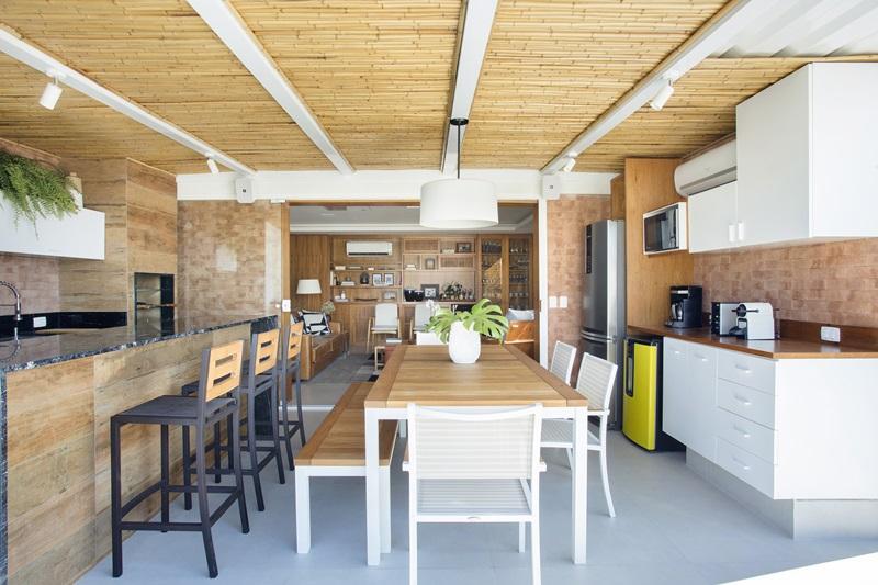 Segundo pavimento -varanda gourmet climatizada
